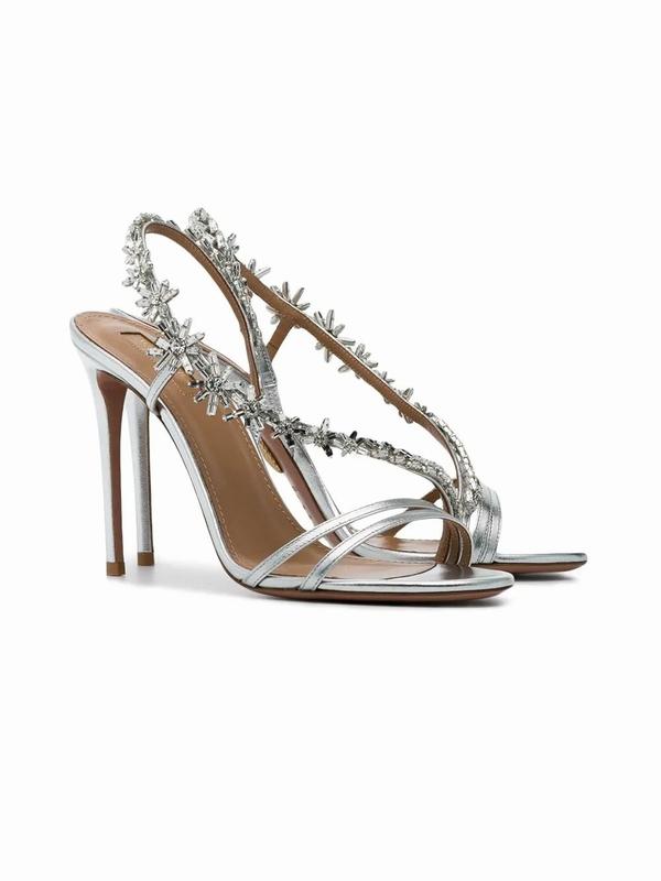 AQUAZZURA Chateau镶嵌凉鞋 价格约9410元  图片源自品牌