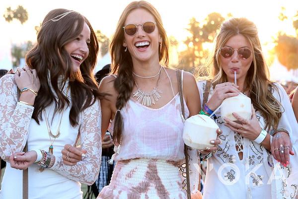 Coachella音乐节dress look£¨图片来源于New York Post£©