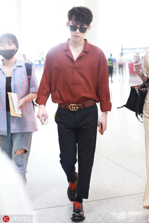 你无法拥有王一博和蔡徐坤 但可以买到他们的同款衬衫