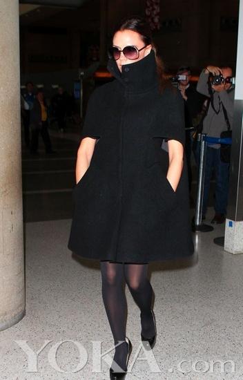 2011冬跟明星一起穿超靓薄大衣斗篷闻瑞服装设计培训推荐 - 闻瑞服装培训 - 闻瑞服装运营培训谷